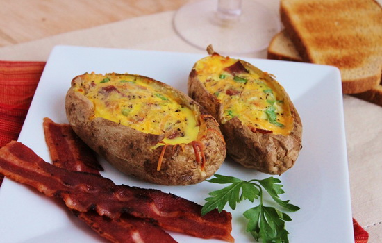 Картошка в фольге в мультиварке с фото