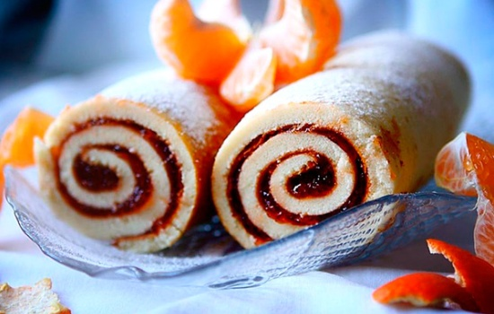 Рецепт бисквитного рулета с вареньем